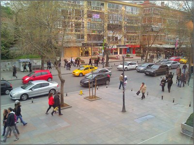 A lively photo from Bagdat Caddesi